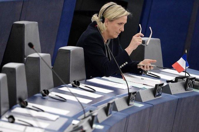 LIVE POLITIQUE - Le FN accusé de travail dissimulé par une ex-attachée de presse au Parlement européen https://t.co/GIAt8DkHIg