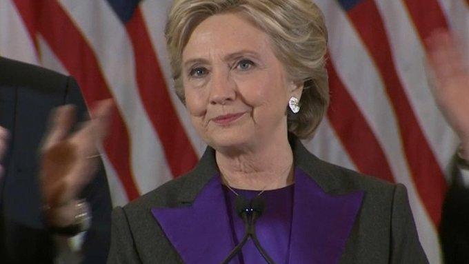 Hillary Clinton compare Donald Trump à Richard Nixon https://t.co/uZ8vCp9ct4
