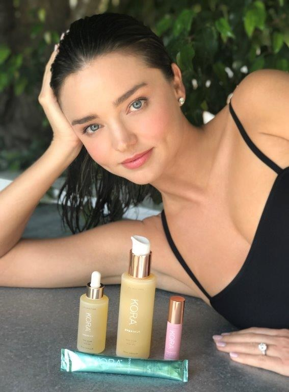 "Miranda Kerr's new skin-care collection contains an Australian fruit she swears Is ""magic"" https://t.co/eX8K2BeYqt https://t.co/DPUyocNFZk"
