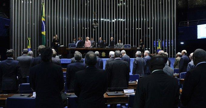 Senado prevê gastar R$ 450 mil em UTI aérea para senadores e ex-senadores https://t.co/KEDXsFxruq #G1