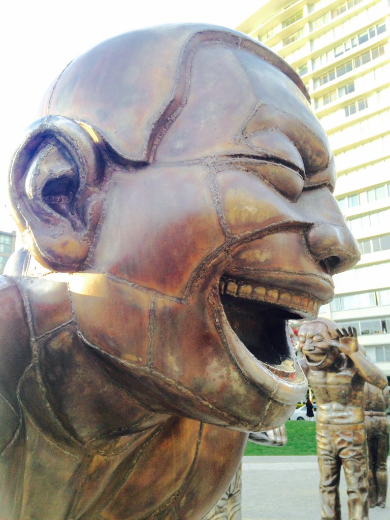 We can&#39;t resist showing you this #VanBiennale #publicart that continues to make 1000s laugh &amp; smile! #AmazeingLaughter by @YueMinjun_<br>http://pic.twitter.com/id4jBx6kQR