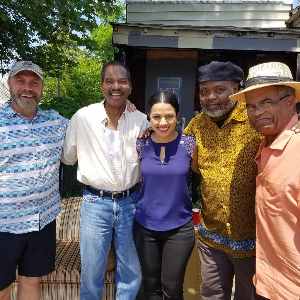 Fun on set, filming TV Series #smoketown #actorslife #actor #Louisville #nashville #harlem #passion #CASTING #castingdirectors #thework<br>http://pic.twitter.com/EP8TaOA5cU