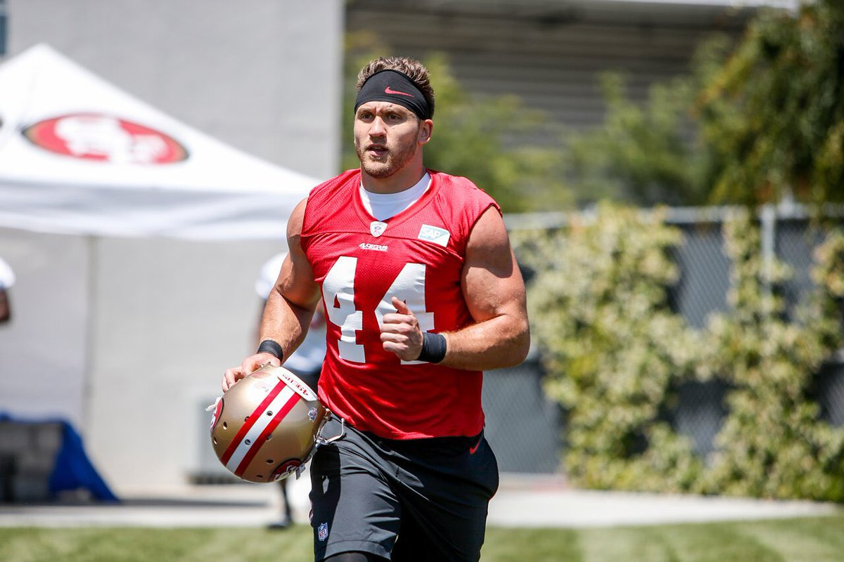 49ers O having a bad ass FB is the way it should be. #44 just like Rathman. Juszczyk will quickly become a fan favorite. #juice <br>http://pic.twitter.com/5upnCg4M1c
