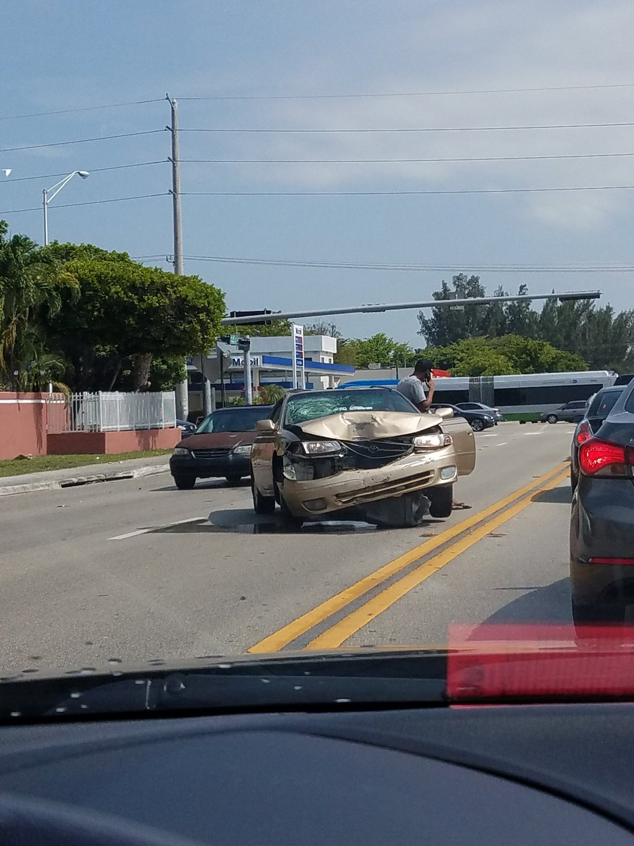 What the hell happened to this dude's car?! That cannot be a hit and run. #cars #caraccident #WhatDoYouThink