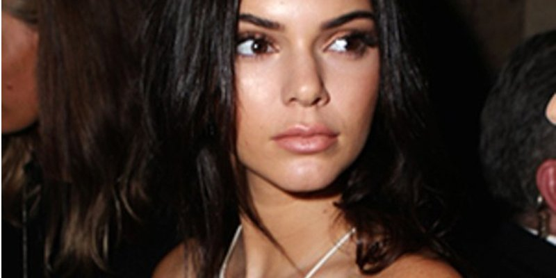 What you need to know if you want a nipple piercing like @KendallJenner: https://t.co/QNZ8nI8gfh https://t.co/n2Ipou8M4n