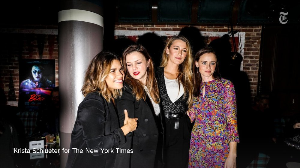 .@AmberTamblyn got the band back together for the premiere of her new movie. https://t.co/dWdziiF56s https://t.co/eC0fpuBceI
