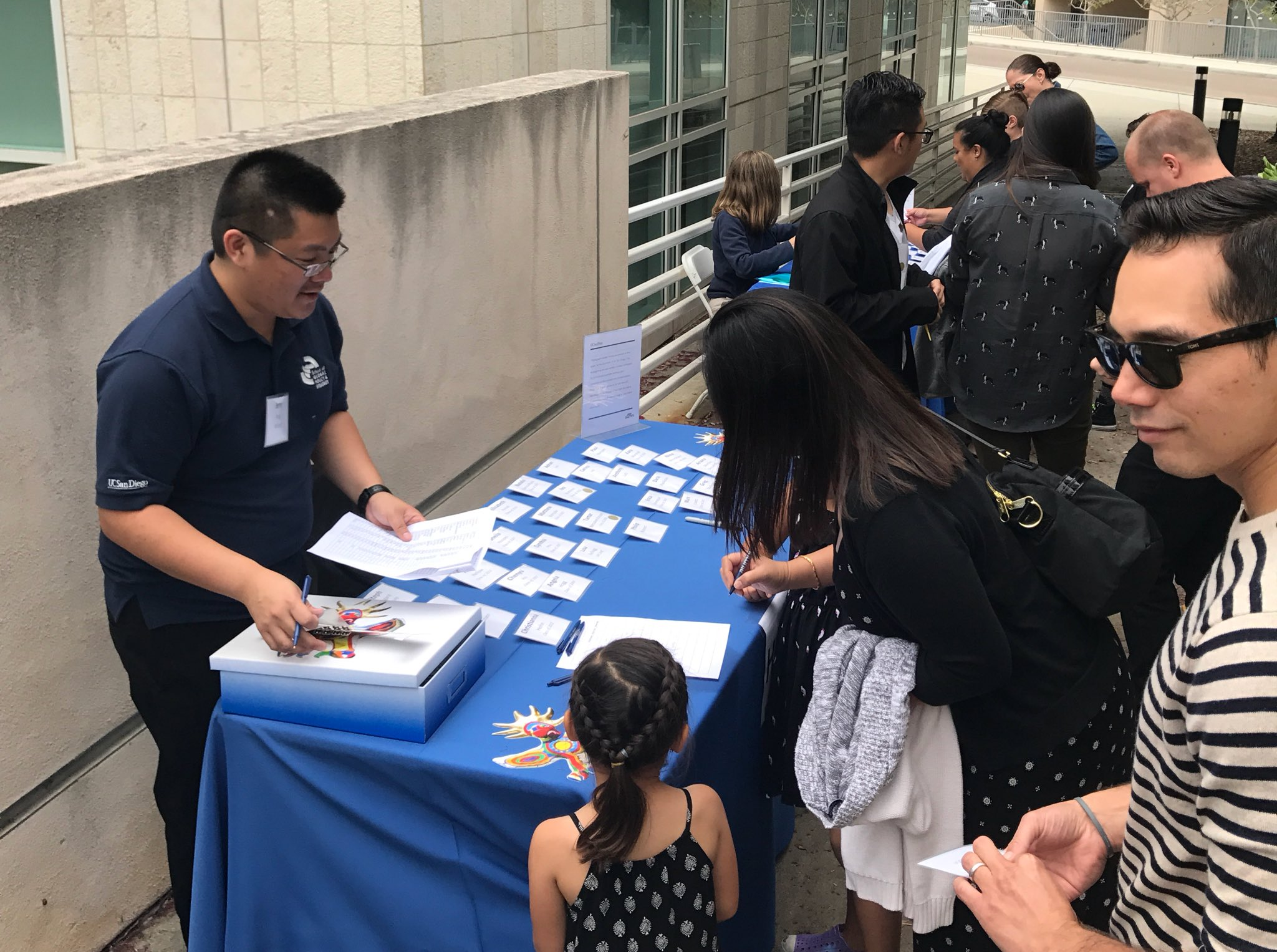 Welcome back to campus! The GPS and ISP alumni weekend celebration is just getting started #UCSDAlumni #ucsdaw https://t.co/e0N8SjhP6h