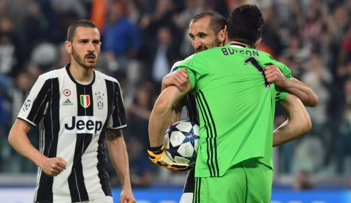 #Chelsea face competition from #Real and #City for #Bonucci as #Chiellini &#39;predicts&#39; teammate's future   http:// bit.ly/2spvk1k  &nbsp;  <br>http://pic.twitter.com/VqR9WlIEDY