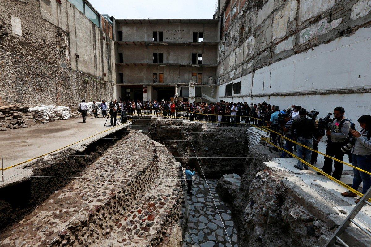 Arqueólogos descobrem quadra de jogos e templo asteca no centro da Cidade do México https://t.co/b2LAWYYkgM #G1