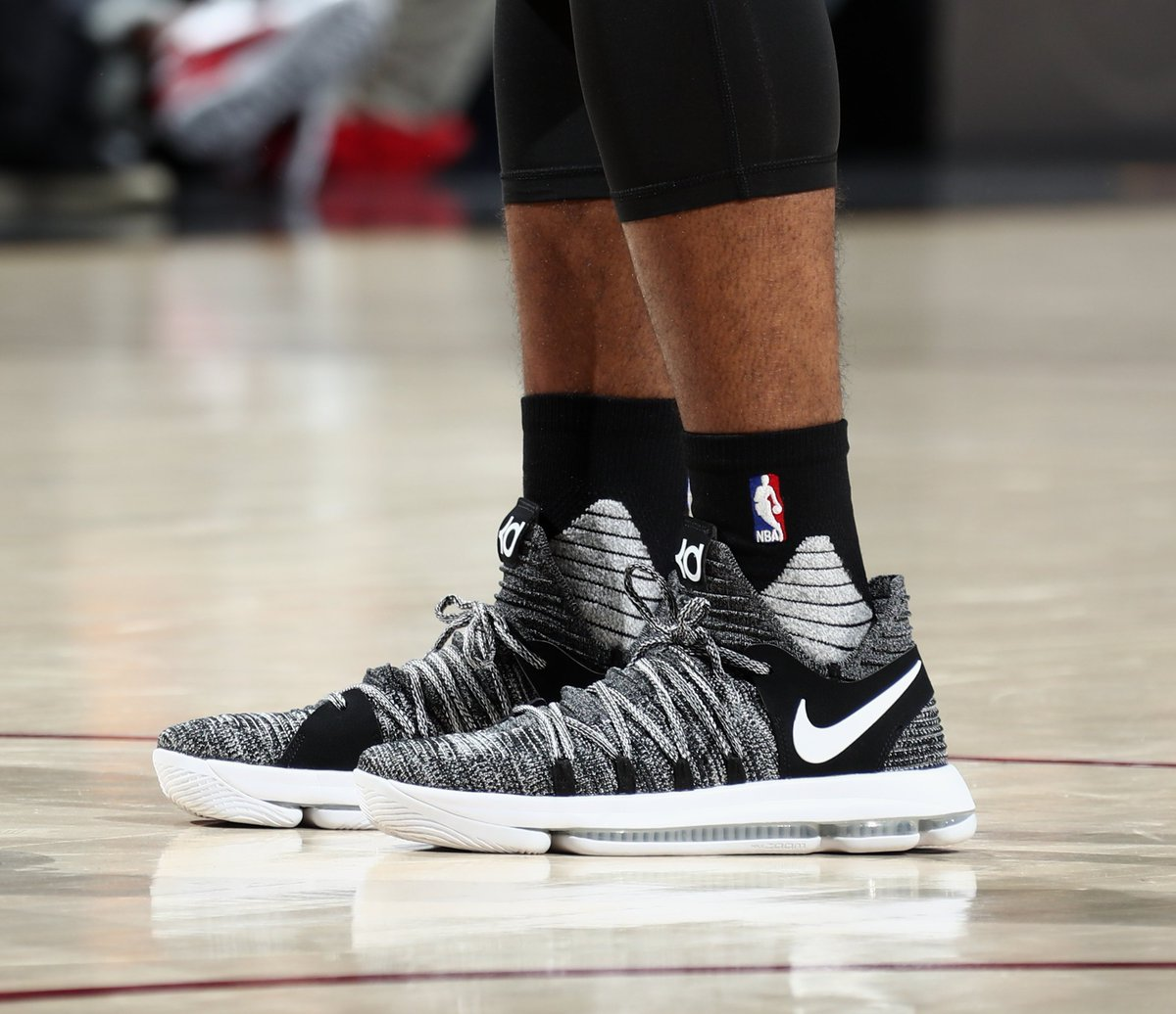 058bf2d43860 ian clark in the nike zoom kd 10 oreo for game 3 vs cleveland nbafinals