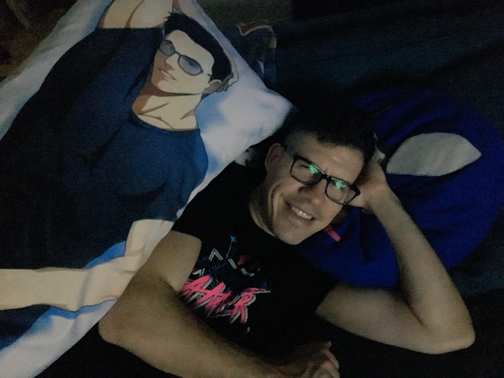 """Ͻ""""tephanie Ͻ'ayer On Twitter Because I Am An Excellent Girlfriend I Turned Sirlarr Into An Anime Body Pillow I Couldn T Stop Laughing As I Took This Pic Https T Co Sqqwit8iej Do you love libraries and want to work at one of the busiest spots in town? stephanie bayer on twitter because i"""