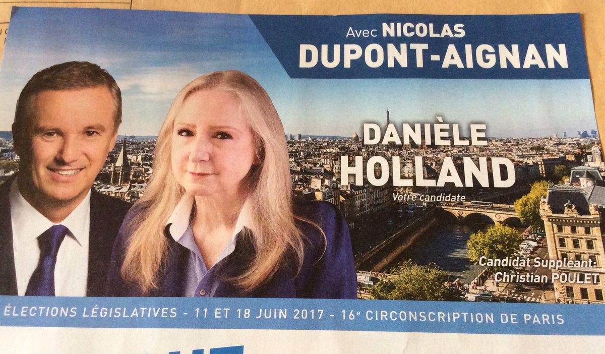 #Dupont-Aignan soutien Holland... hin hin hin ! <br>http://pic.twitter.com/fGgzrAKZ43