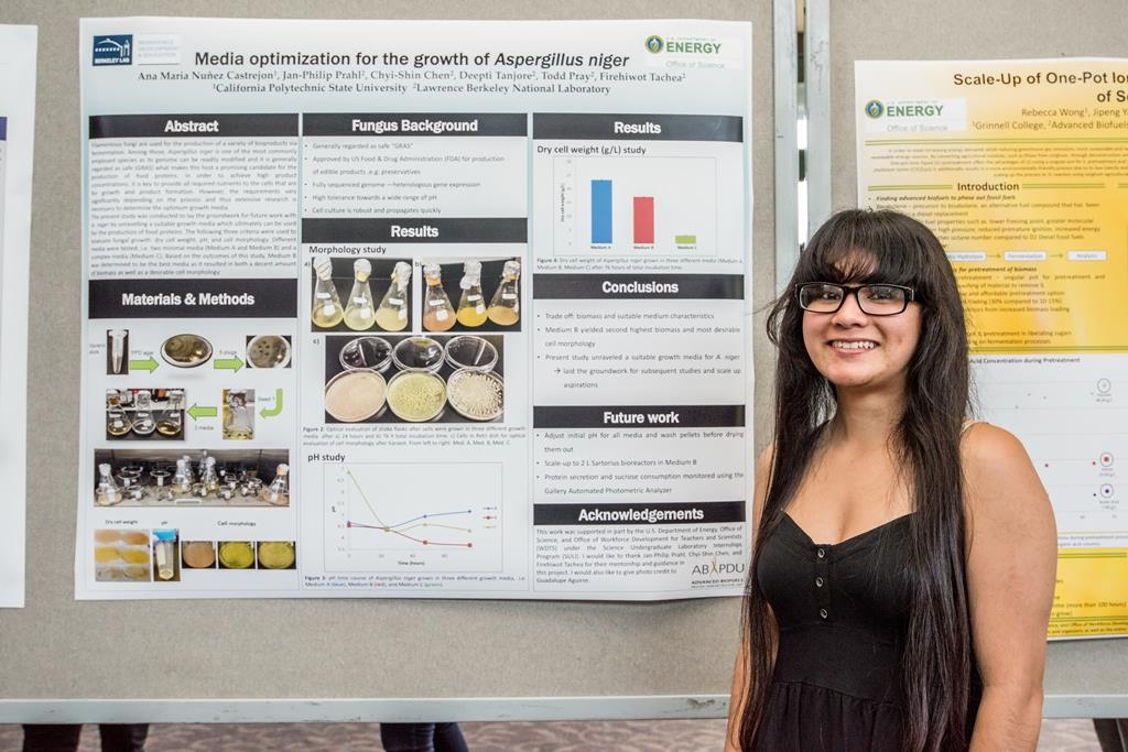Ana Maria Nunez @CalPoly optimized media for the growth of #AspergillusNiger @ #ABPDU #BioBSE. #BioSciNextGen https://t.co/k0XxyPd3Ej