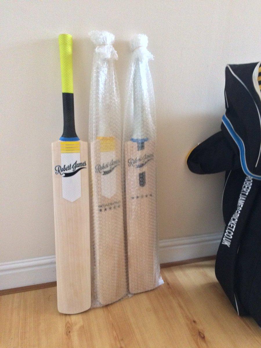 Robertjames Cricket