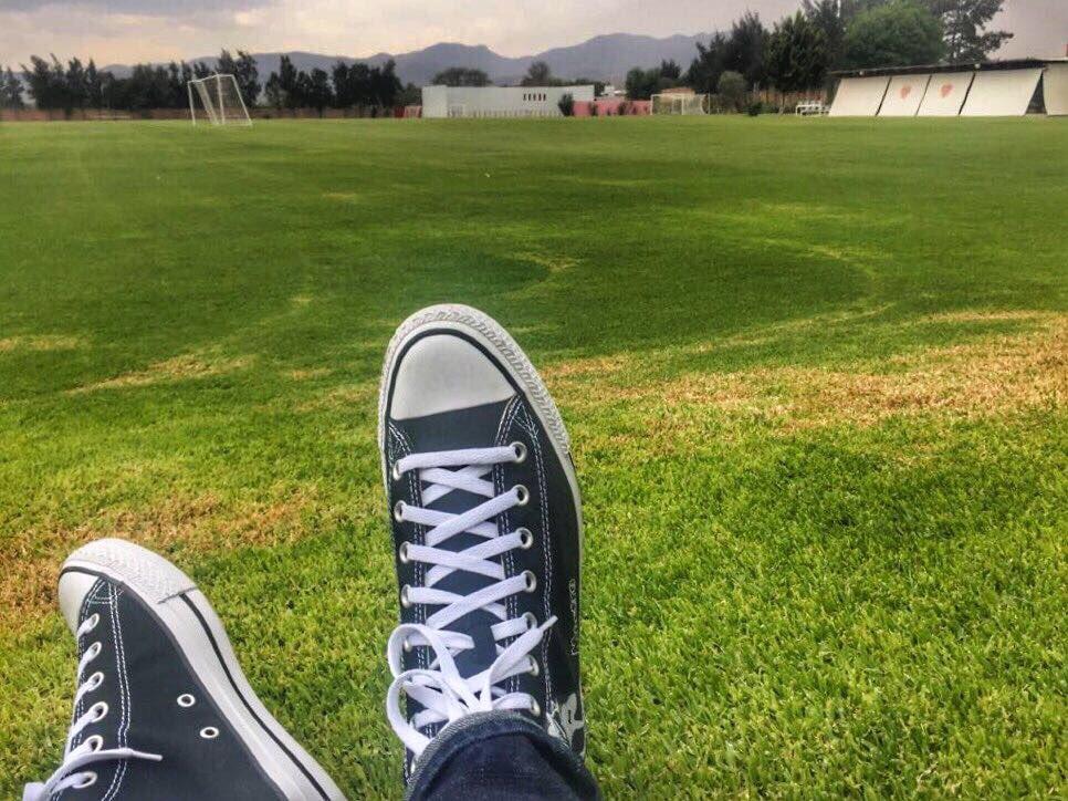 De regreso a casa @ClubNecaxa , donde nací, crecí y ahora de vuelta. #FuerzaRayos⚡ https://t.co/wcedz6YVQW