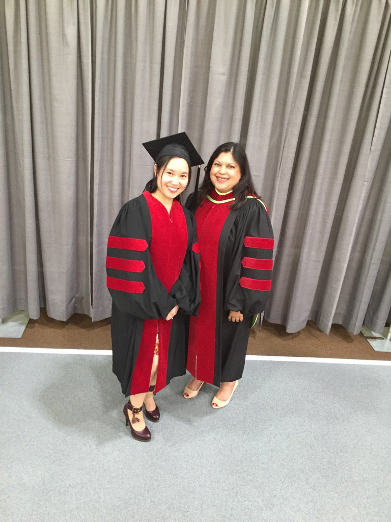 Mookherjee lab PhD graduate Dr Choi @Grace_choiky Congratulations! @um_research #umanitoba2017 https://t.co/VOifUAIPLR
