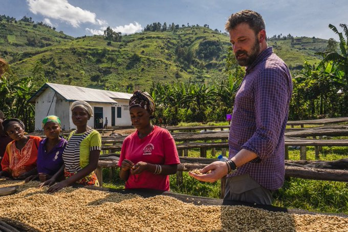 An honor to visit #DRC coffee farmers supported by @easterncongo & our partner @Starbucks. Proud to support #sustainablefarming https://t.co/I6rifi4bc1
