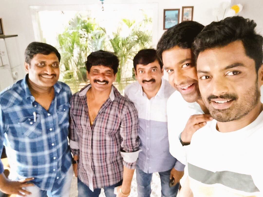 Team Selfie from the sets of @nandamurikalyan &#39;s #MLA .. pic courtesy of Manikonda youth icon @vennelakishore  #NKR14 <br>http://pic.twitter.com/X5Qz3lkR7O