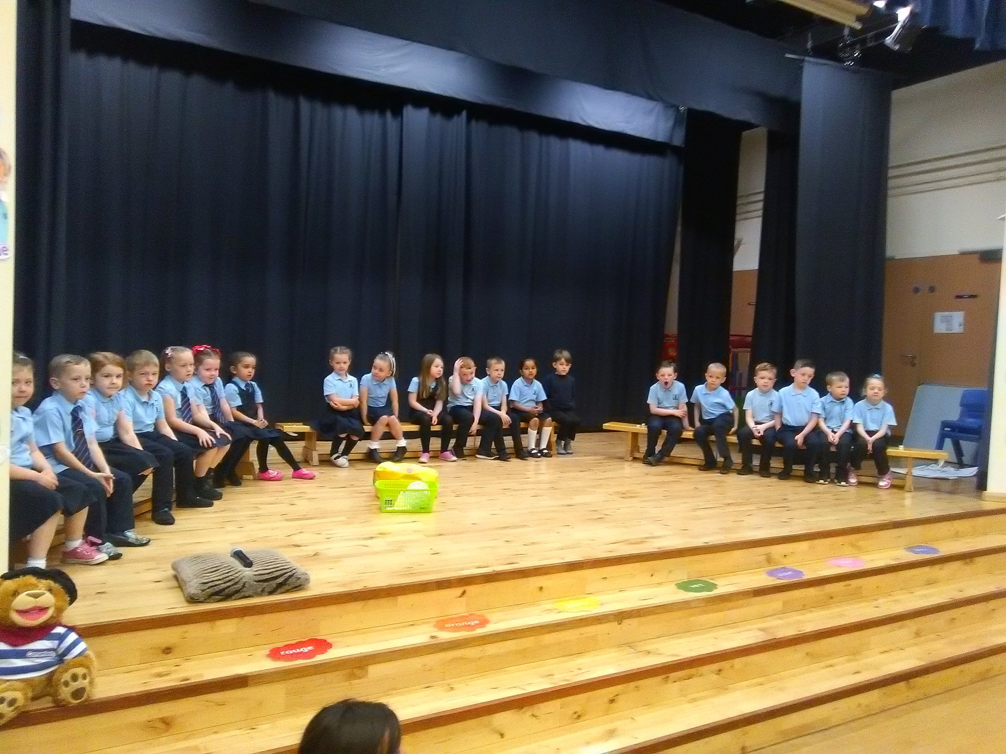 P1/2 assembly is underway sharing the learning with family and friends #confidentindividuals #effectivecontributors https://t.co/5X8BmmofMt