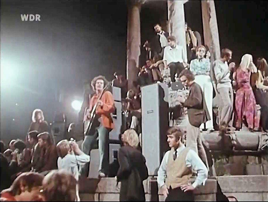 #TangerineDream  &quot;Bath Tube Session,&quot; Berlin 1969  https://www. youtube.com/watch?v=6BdsuD eFl3c &nbsp; …  #Krautrock #EdgarFroese#HappyDieter(b) #KlausSchulze(ds) <br>http://pic.twitter.com/nIGP1dHaFt