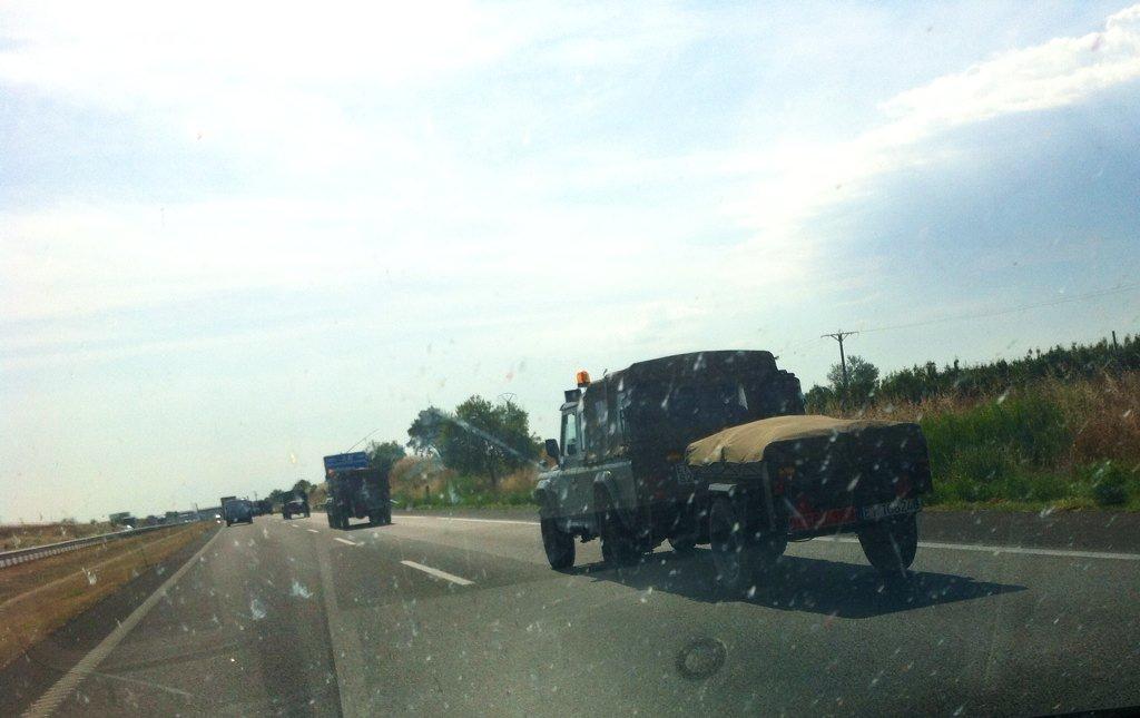 Resultado de imagen de Convoy militar se dirige a Barcelona