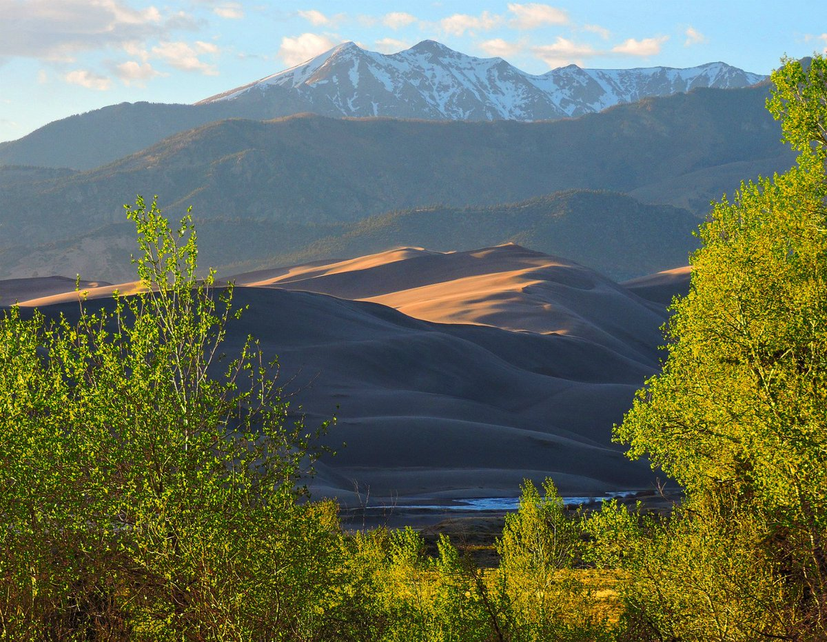 Springtime brings bright colors to Great Sand Dunes #NationalPark #Colorado https://t.co/5yXAZ76J2S