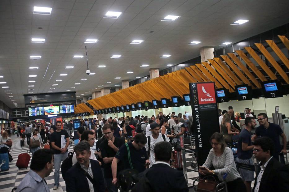 Governo espera obter receita de R$ 43 bi com o fim da Infraero https://t.co/i0gXgF7cqK