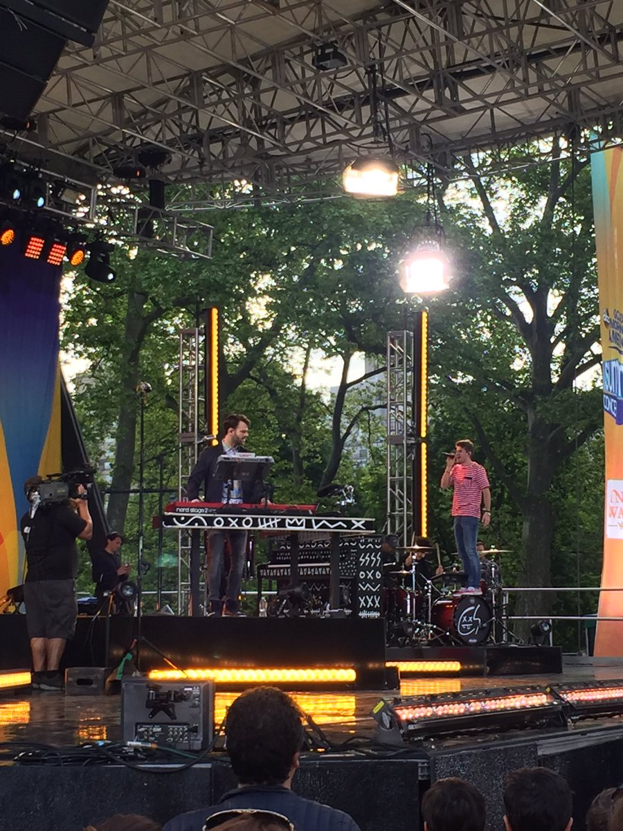Soundcheck with @TheChainsmokers was Tune in at 8:30am on @ABCNetwork to watch the full performance! #ChainsmokersonGMA <br>http://pic.twitter.com/C422W7b5HD