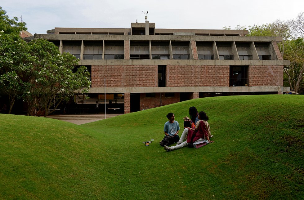 Govt nod to CEPT University to enroll 50% students from other boards and states