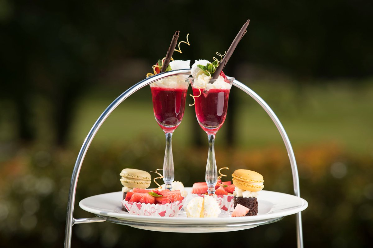 COMPETITION! We are giving away a summer Afternoon Tea for 2. #RT to win. Ends 13/06/17 #goodluck https://t.co/Q1Df1llijo