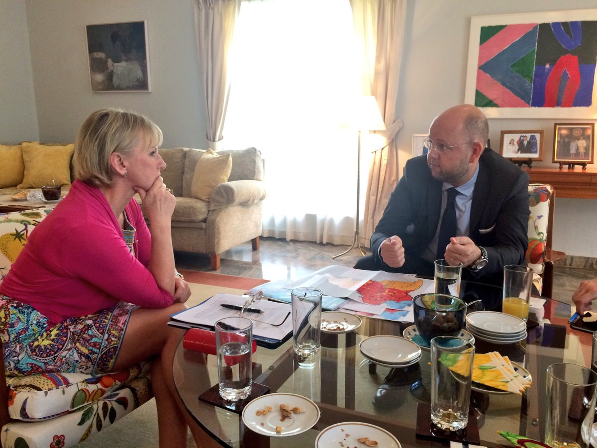 Proud to hear about Swedish efforts in fighting famine in Nigeria. Interesting meeting with UN deputy humanitarian coordinator @Plundber.