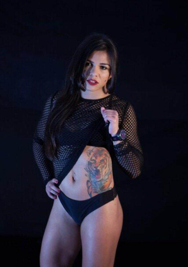Claudia Gadelha Hot