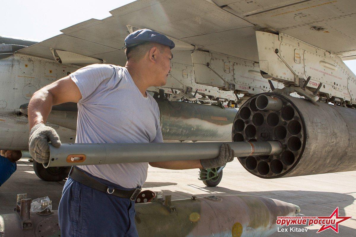 المقاتله Su-24 Fencer القاذفه  - صفحة 2 DB5NCNiXUAAoXHd