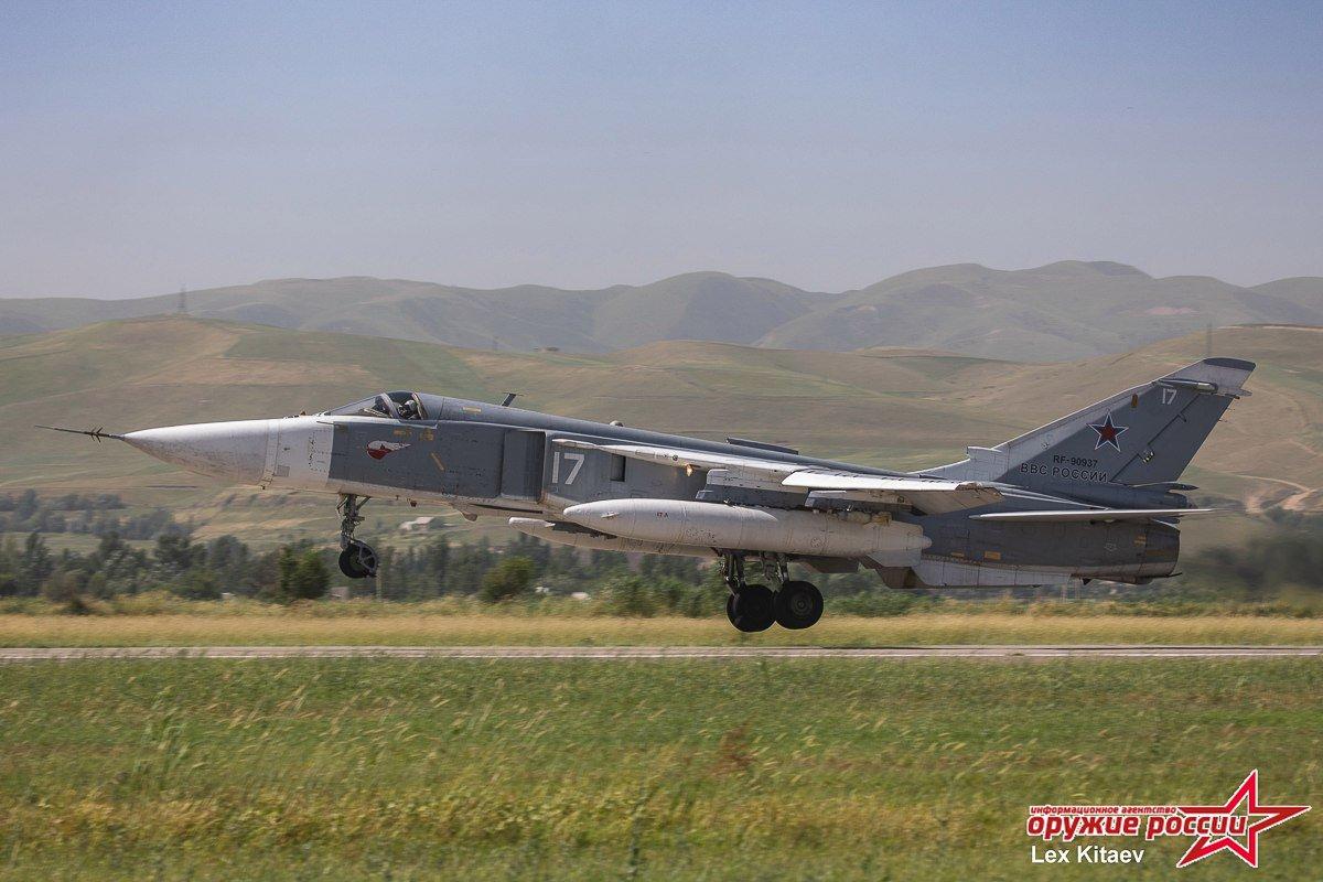 المقاتله Su-24 Fencer القاذفه  - صفحة 2 DB5NEPlXcAAKVUC