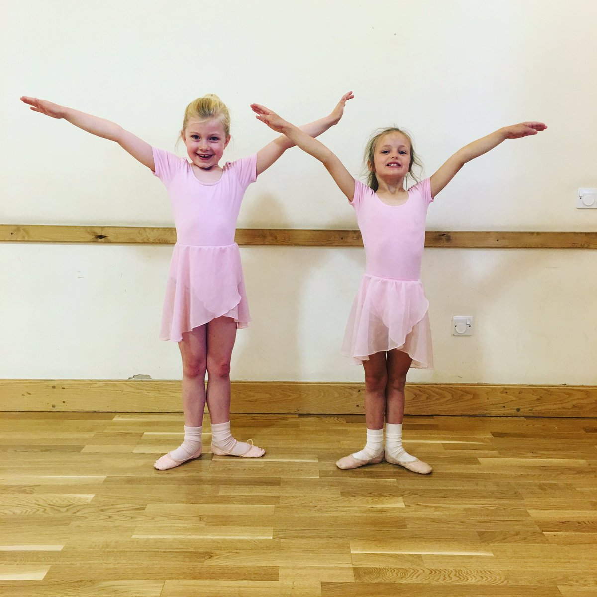 """RS Dance on Twitter: """"Royal Academy of Dance Primary's 💖 https://t.co/8Hq6pt75Jr"""""""
