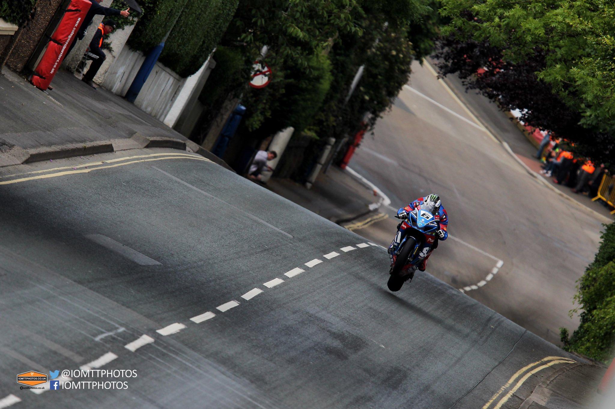 [Road Racing] TT 2017 - Page 22 DB6JKZTXcAEZqzp