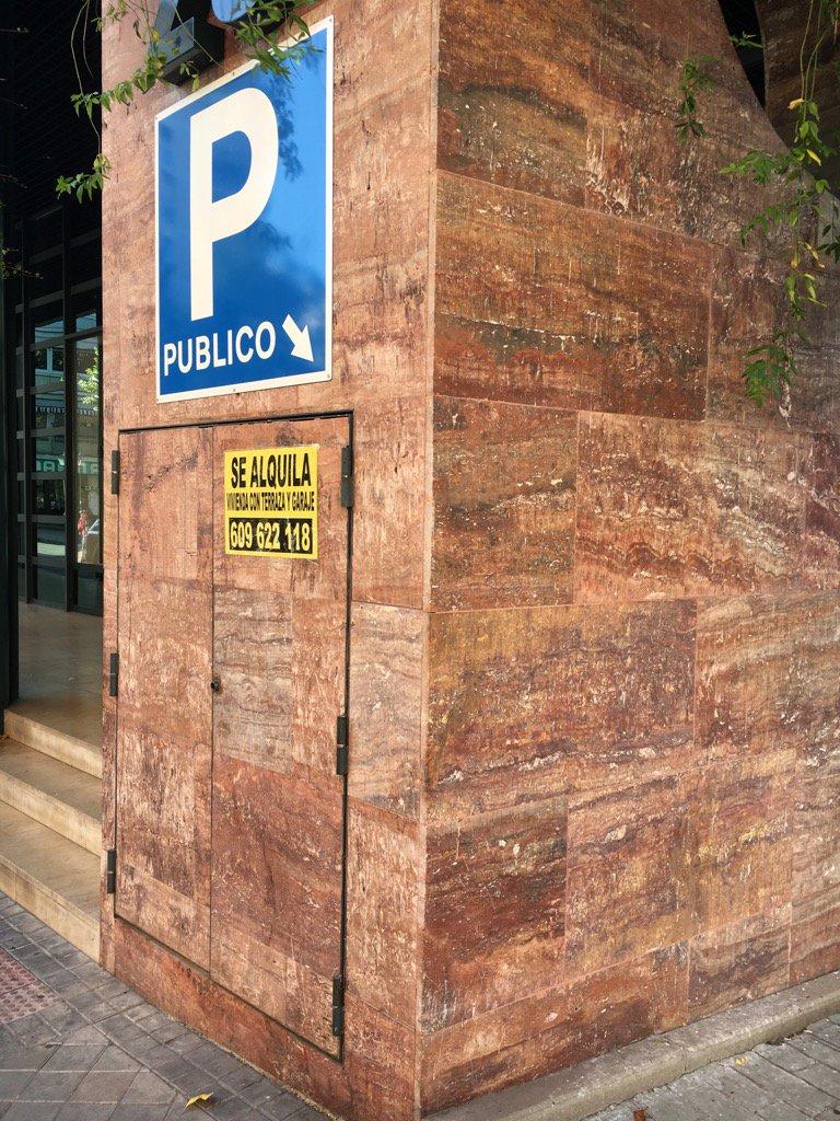 Carbonates in the city, se alquila travertine #UrbanGeology #Madrid https://t.co/0DaTus1QXM