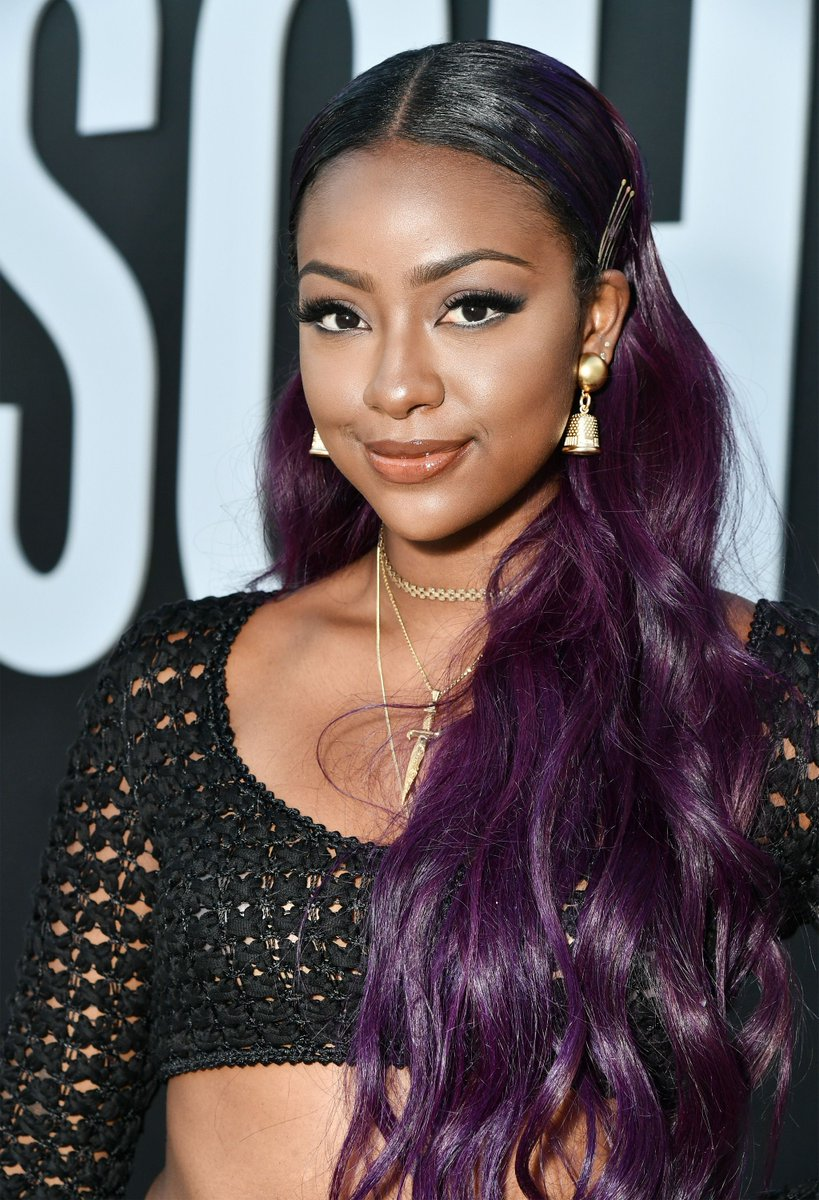 6e34cb93813 Justine Skye attends Moschino Spring Summer 18 Menswear and Women s Resort  Collection in California. This look      pic.twitter.com bF6Uq7awOp