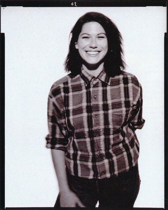 Happy birthday to Kim Deal. Photo c.1988.