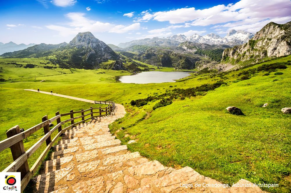 #DidYouKnow? Picos de Europa is the oldest national park in Spain. #PicosDeEuropa #NationalParks #VisitSpain #CuriousFacts @whereisasturias<br>http://pic.twitter.com/V4bSH7xYnL