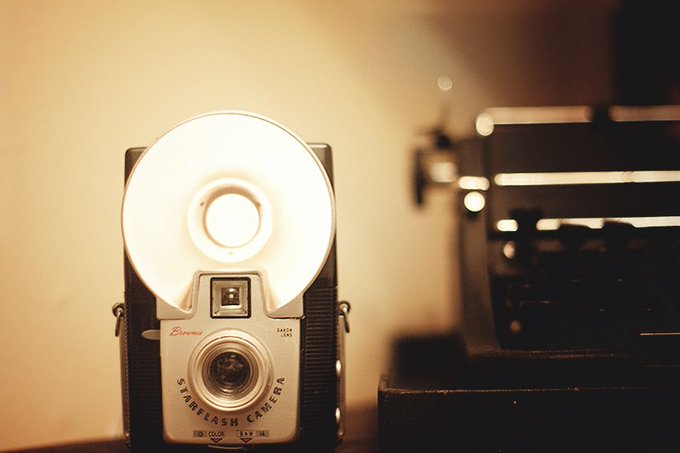 DIY Vintage Camera Lamp