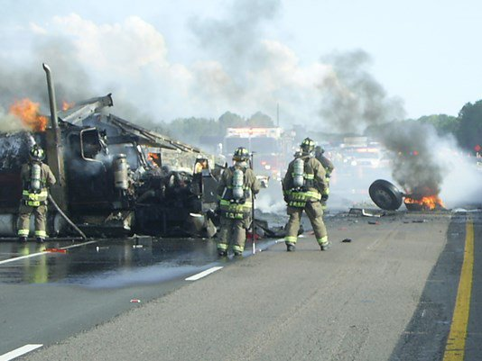 Traffic update: i-75 reopens after pasco county crash, truck
