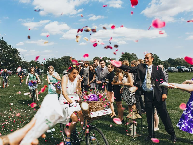 20 unique wedding ideas that made the big day simply awesome! Wow   http:// bit.ly/2rIpLI4  &nbsp;    #BigDay #Wedding #Ideas <br>http://pic.twitter.com/i2SgXX7XmD