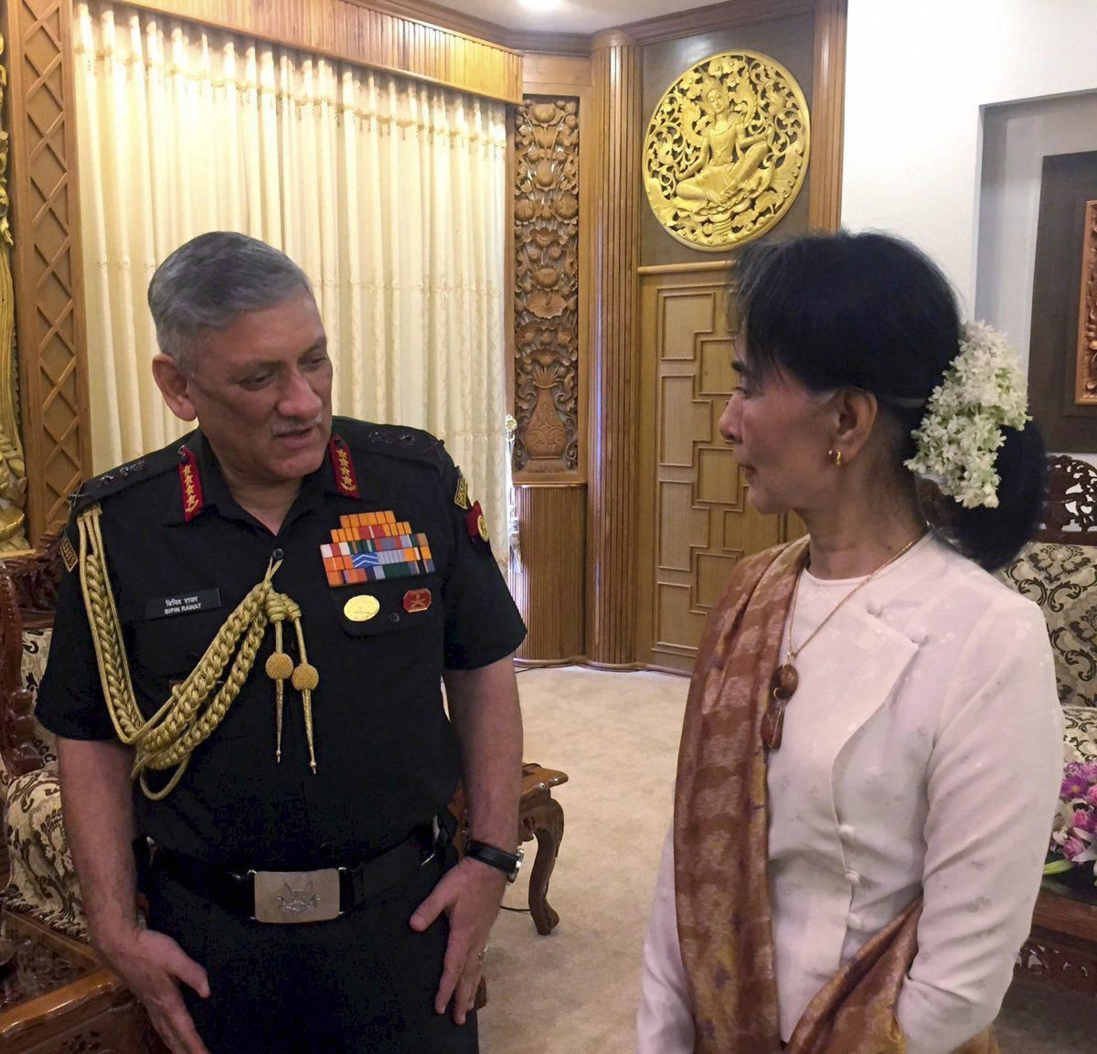 #Army Chief #BipinRawat meets Suu Kyi, military leaders in #Myanmar. <br>http://pic.twitter.com/88eCnEn0vc
