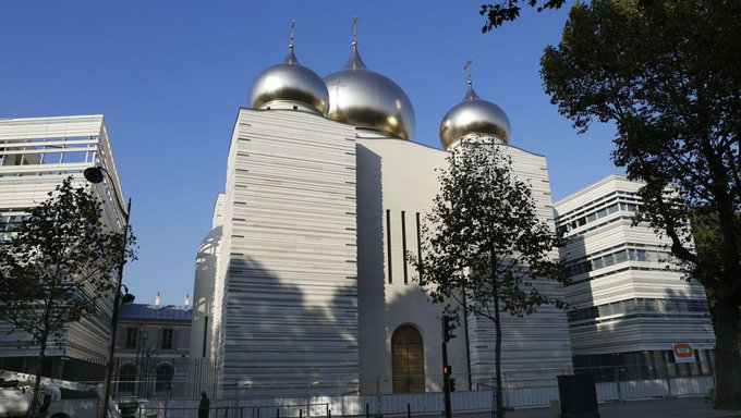 Visite de Poutine à Paris: 3 choses à savoir sur la cathédrale orthodoxe du Quai Branly https://t.co/SIVllpEHU9