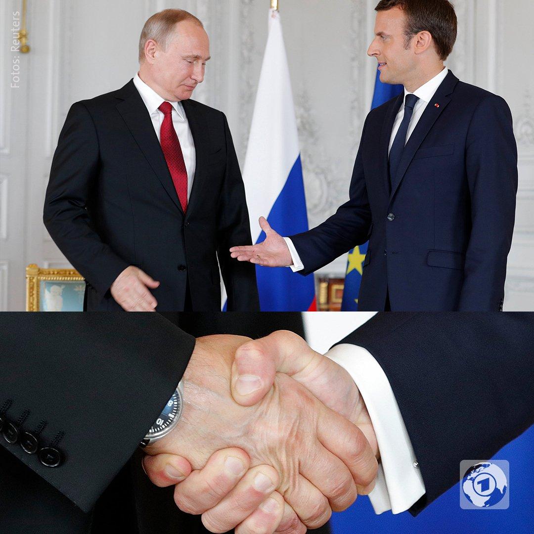 Politischer Kampfsport Händedrücken. Heute: #Putin gegen #Macron.