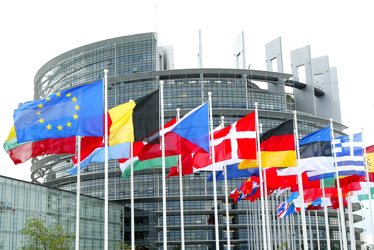 "RT Workshop:""The #chemical industry, an engine of the European competitiveness""  http:// ow.ly/87A130c6Hga  &nbsp;   8th June at the European Parliament<br>http://pic.twitter.com/S4gTKBnvth"