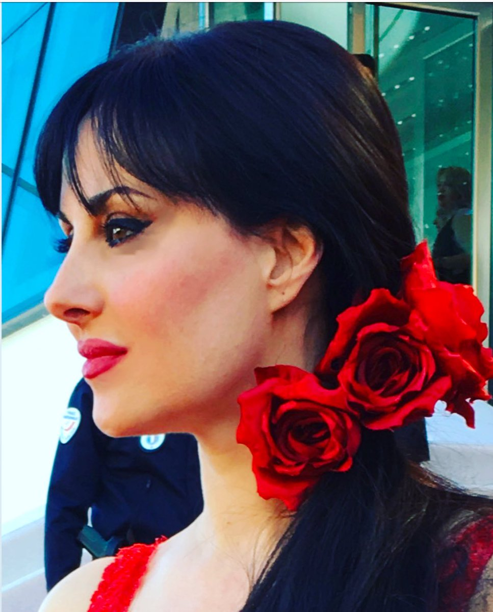 NO JEWELS BUT FLOWERS for actress #isabelleadriani on the #redcarpet in #Cannes70  #Cannes2017  #fashion #red #CannesFilmFestival<br>http://pic.twitter.com/wQD2WymUYI