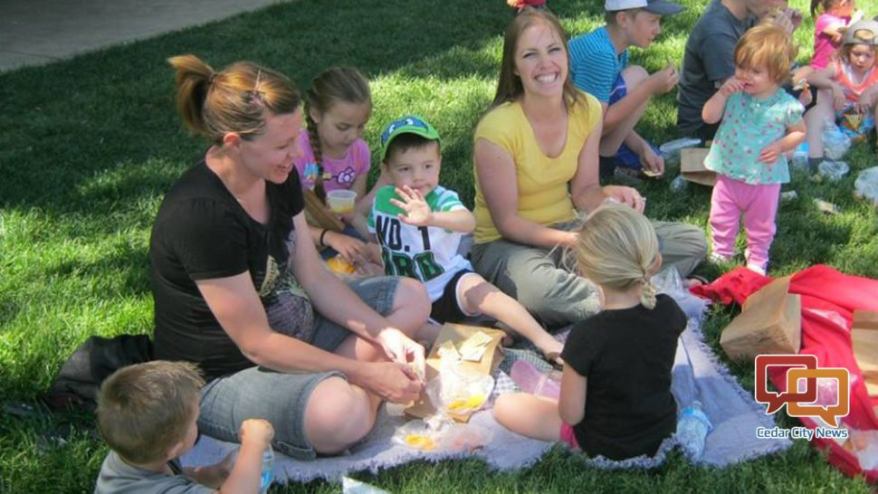 Summer lunch program offered to children, families in need. #StGeorge #CedarCity #SoUtah #Utah  http://www. stgeorgeutah.com/news/archive/2 017/05/29/summer-lunch-program-offered-to-children-families-in-need/ &nbsp; … <br>http://pic.twitter.com/zvDs2TIaB3