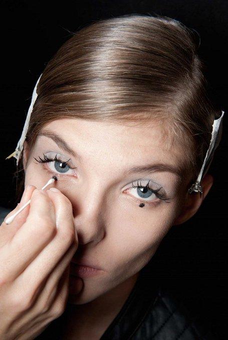 El 'Dot eyeliner' comienza a expandirse
